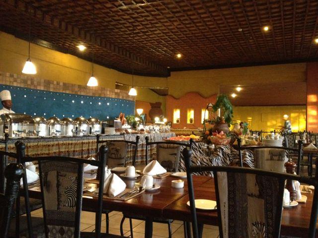 Tanzanie safari restaurant buffet